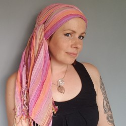 Striped tassel scarf -...